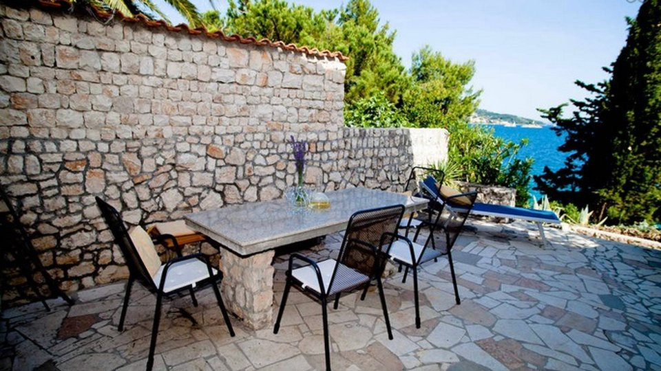 Beachfront house for sale in Seget Vranjica, Trogir area!