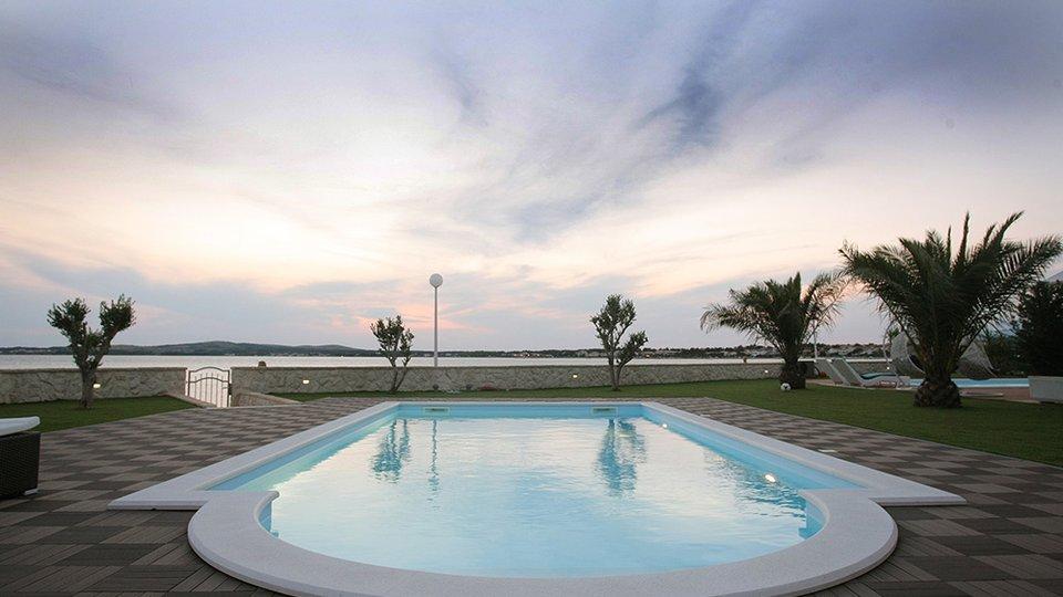 House, 400 m2, For Sale, Vir