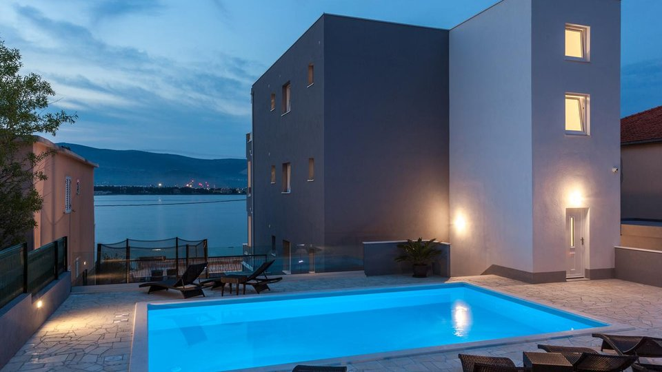 House, 550 m2, For Sale, Trogir - Čiovo