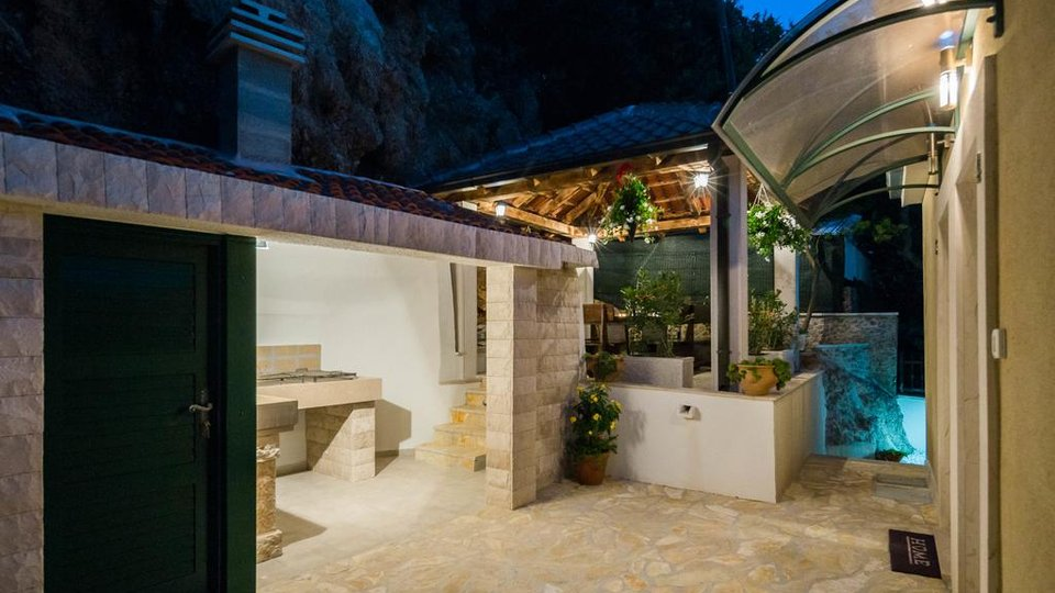 House, 400 m2, For Sale, Omiš