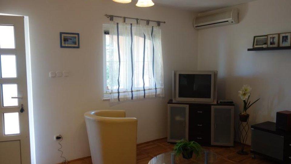 Freistehendes Haus 20 m vom Meer entfernt in Rogoznica! Wir empfehlen!