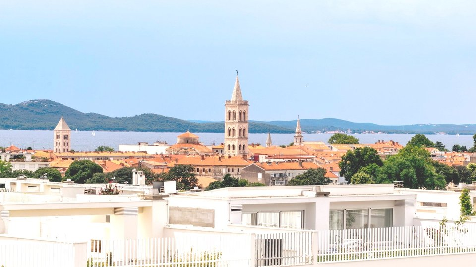 LUXURY PENTHOUSE FOR SALE! THE FIRST ROW TO THE SEA, IN THE CENTER OF ZADAR!
