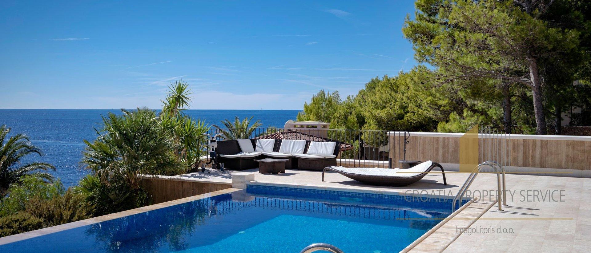 Seafront luxury villa Hvar