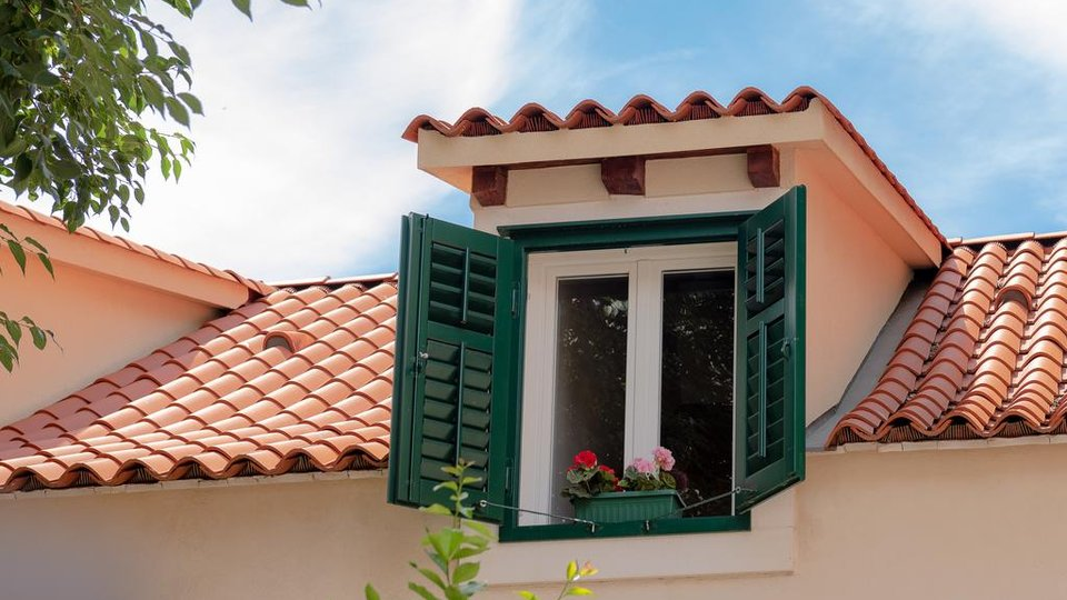 RENOVATED VILLA WITH A GARDEN IN THE CENTER OF SPLIT!