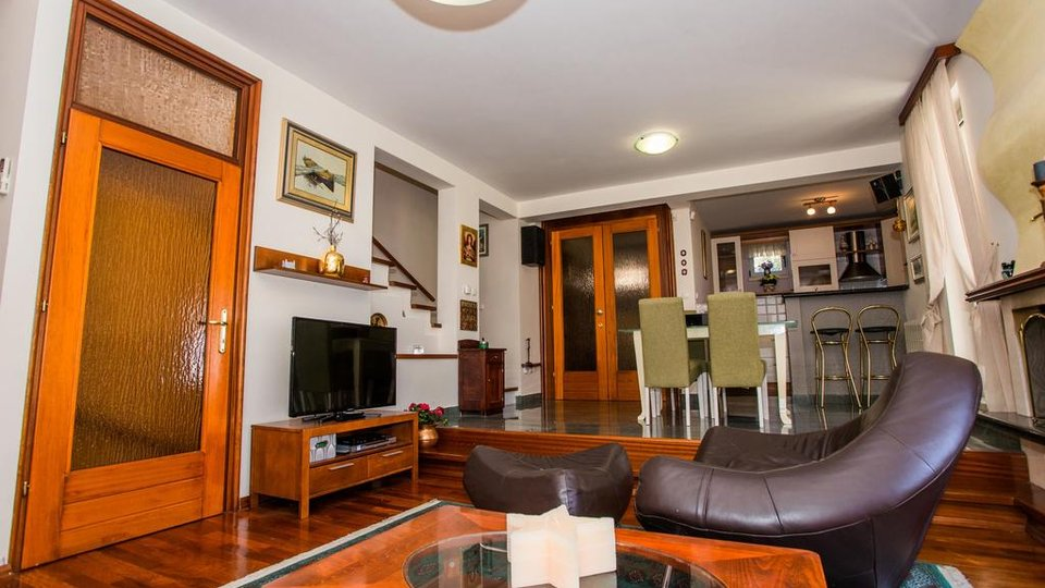 House, 220 m2, For Sale, Split - Bačvice