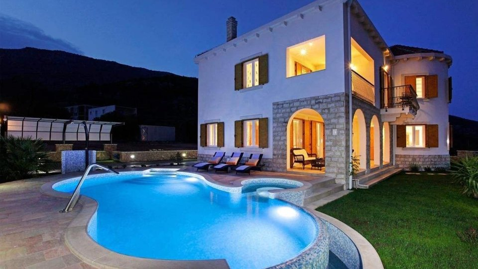 LUXURIOUS VILLA WITH BEAUTIFUL PANORAMIC VIEW, BRAČ