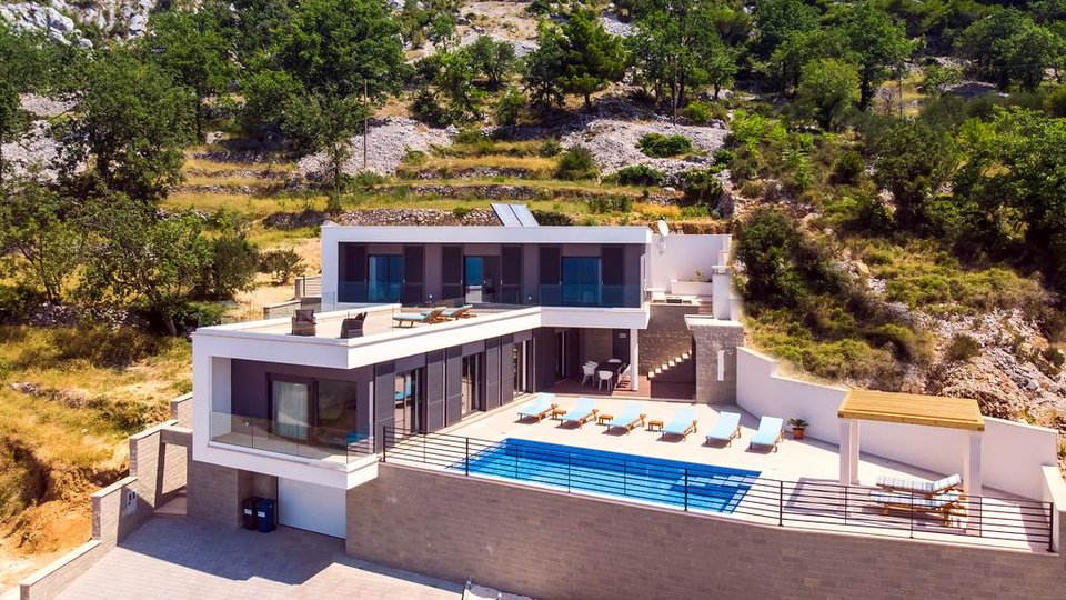 House, 300 m2, For Sale, Omiš