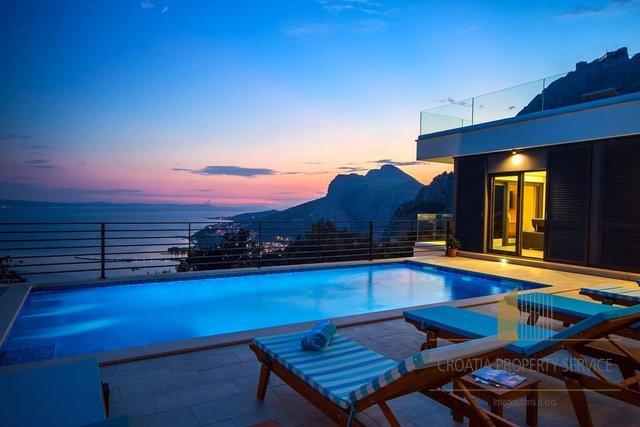 Schöne neue Villa in Split, mit Meerblick und Pool!