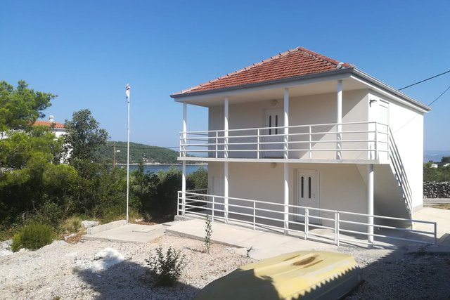 Neu renoviertes Einfamilienhaus auf Solta steht zum Verkauf!