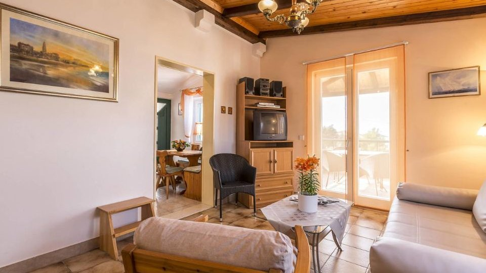 Detached house only 150 m from the sea in Razanj!
