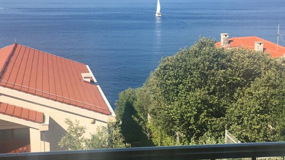 TWO BEDROOM APARTMENT 30 METERS FROM THE SEA AWAY ON THE ISLAND OF CIOVO WITH A BEAUTIFUL VIEW OF CRYSTAL CLEAR SEA!