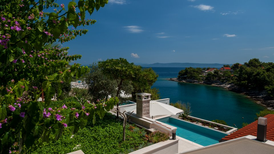NEW ON OFFER! VILLA LOCATED IN IDILICLY PEACEFUL BAY ON THE ISLAND OF BRAC!