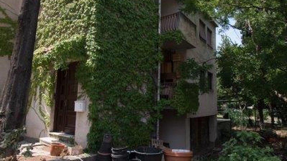 Hiša, 560 m2, Prodaja, Split