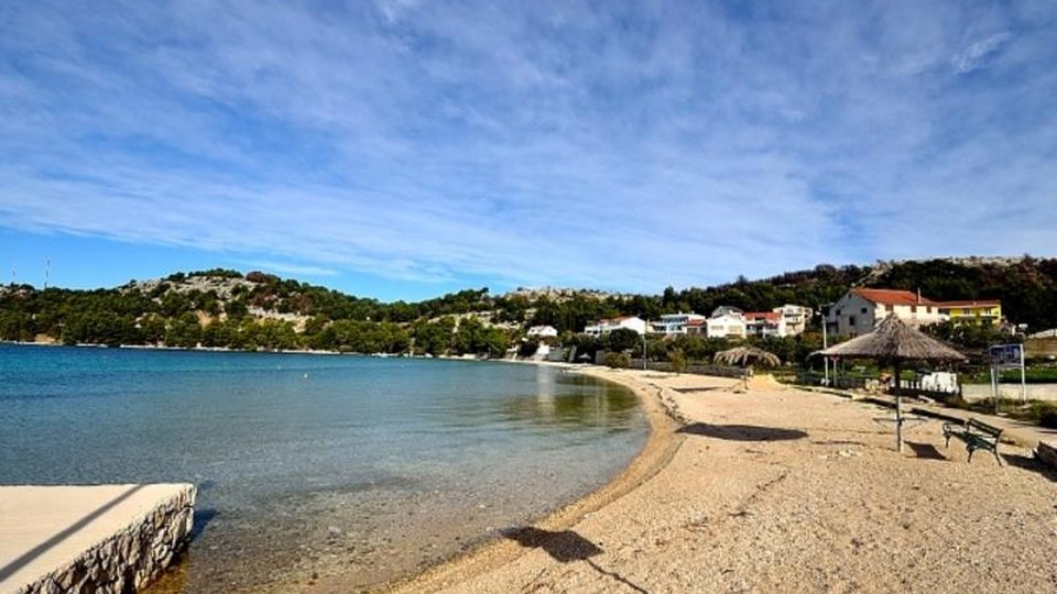 Nova moderna vila s bazenom u gradnji, područje Šibenika!