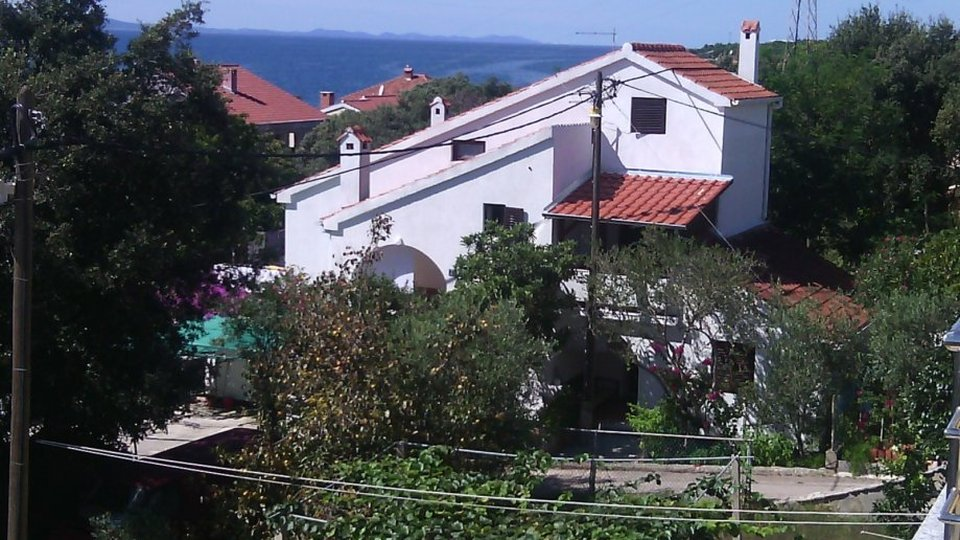 Detached house with three apartments in a beautiful location near Zadar!