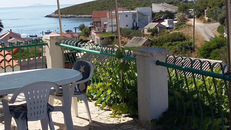 ISLAND OF VIS! HOUSE WITH FIVE APARTMENTS AND OPEN SEA VIEW!
