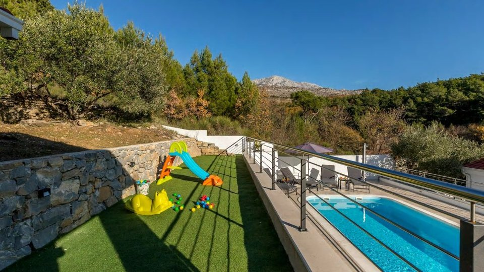 A unique villa in a secluded location near Omis!