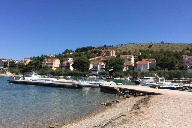 Advantageous land plot just 150 meters from the sea in Zaborić!