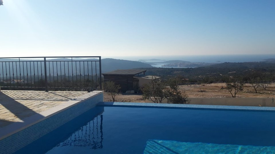 BEAUTIFUL VILLA WITH PANORAMIC VIEW!
