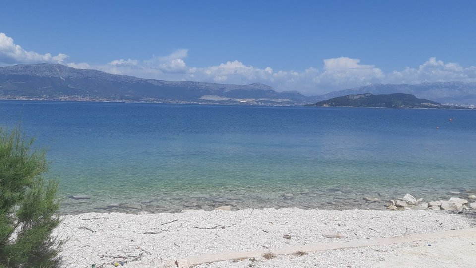 APARTMENT VILLA JUST NEXT TO THE SEA, TROGIR