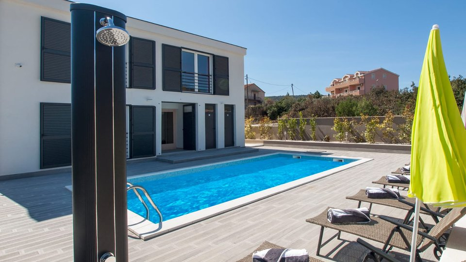 NEWLY BUILT, FULLY FURNISHED VILLA WITH A POOL IN MARINA!