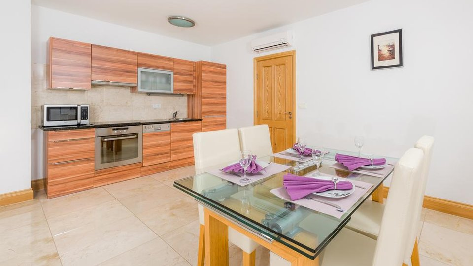 TWO BEDROOM APARTMENT WITH POOL AND SUNDECK AREA, 350 M FROM THE SEA ON THE ISLAND OF BRAC!