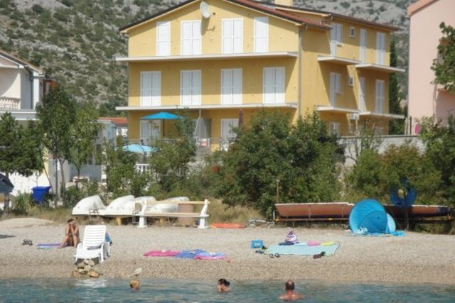 APARTMENT WITH TWO BEDROOMS SECOND ROW BY THE SEA AND BEAUTIFUL BEACH! SELINE