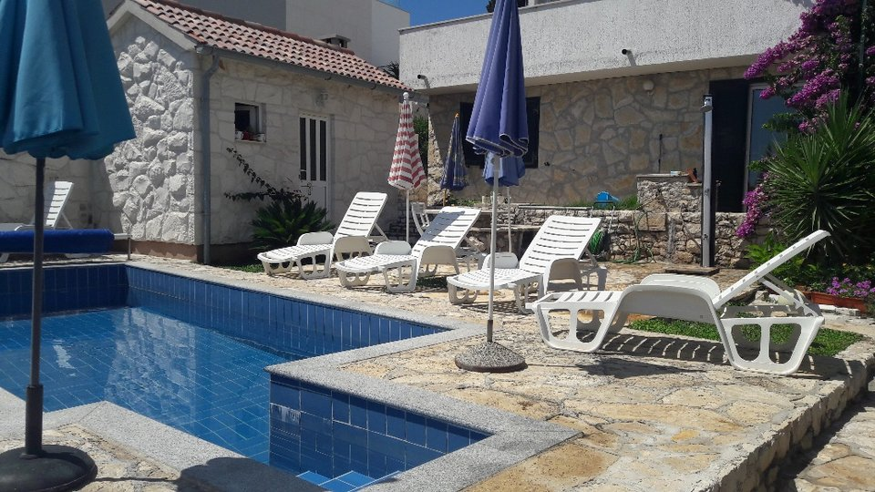 VILLA WITH POOL IN A BEAUTIFUL LOCATION!