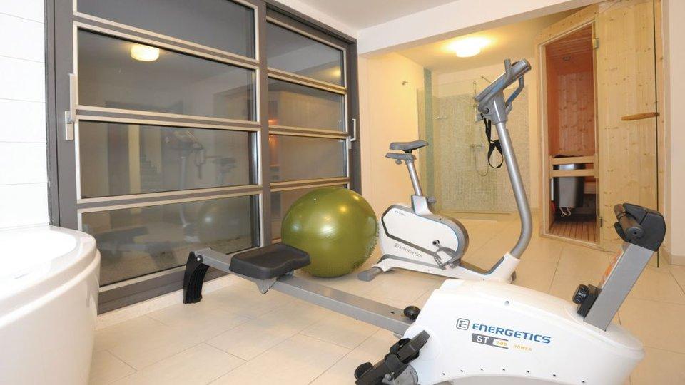 Fantastična investicija - 2 moderne vile na Makarskoj rivijeri