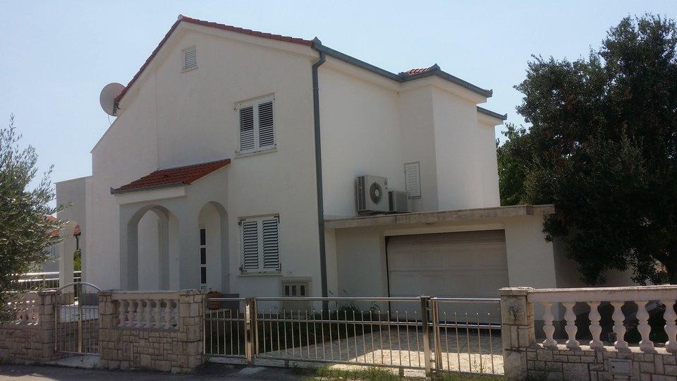Haus, 210 m2, Verkauf, Okrug