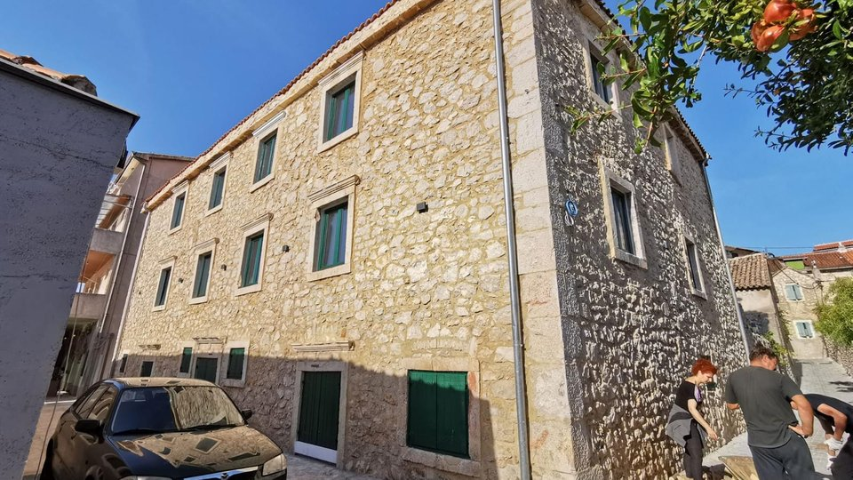Newly built hotel in Skradin on the first line to the sea, ideal to stay by Krka waterfalls