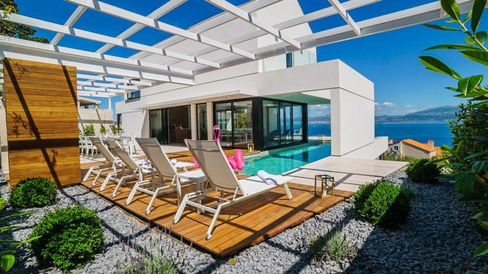 NEW BUILD LUXURY VILLA WITH MAGNIFICENT VIEW, BRAČ