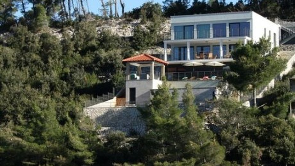 SEASIDE VILLA WITH PRIVATE BEACH, SAUNA AND A POOL, ON THE ISLAND OF KORČULA