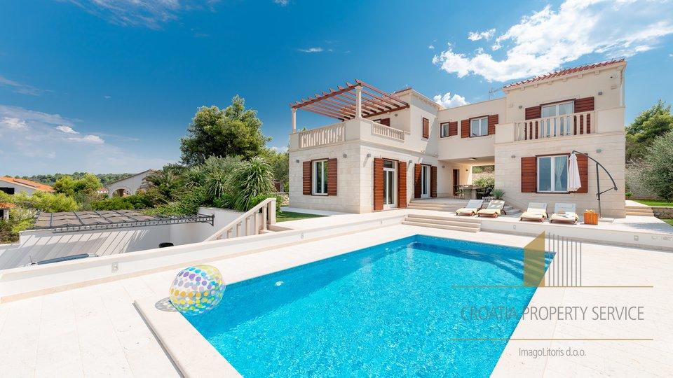 House, 293 m2, For Sale, Splitska